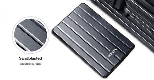 Adata Eksterni HDD  2TB 2.5'' USB 3.1 metalik AHC660-2TU31-CGY