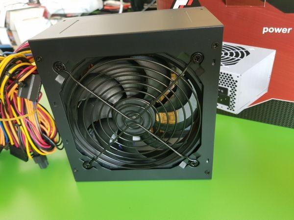 GEMBIRD GMB-650-12 napajanje 650W 12cm ventilator, 20+4pin,4pin,3xSATA,1xIDE 4-pin 6-pin sa kutijom(1475)